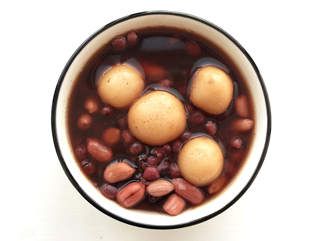 Red bean porridge breakfast红豆粥早餐